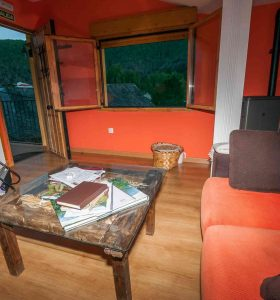 Alojamiento turístico las casas de la montaña salón